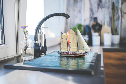Монтаж фильтра для очистки воды под декоративную мойку